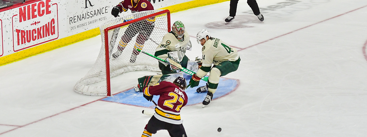 Warsofsky, Jeannot Lead Wolves Past Wild,